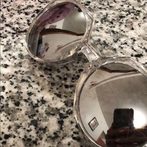 Other - QUAY sunnies with reflecting lens and clear frame